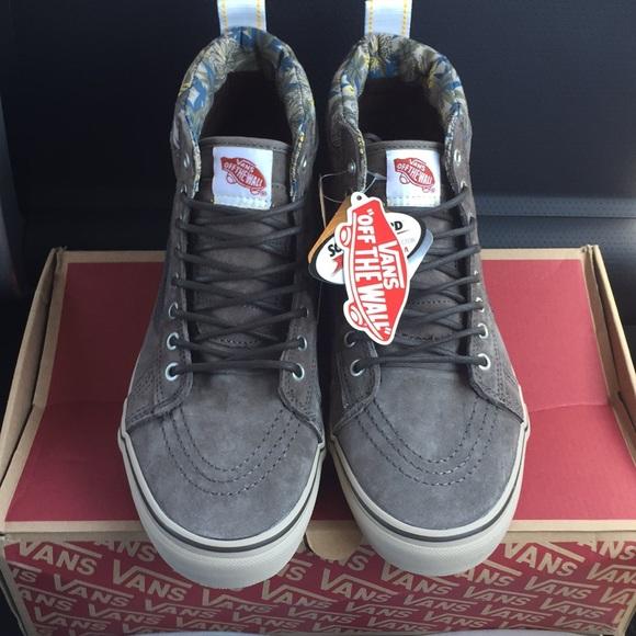 2558a436fe New Authentic Vans Men s Shoes